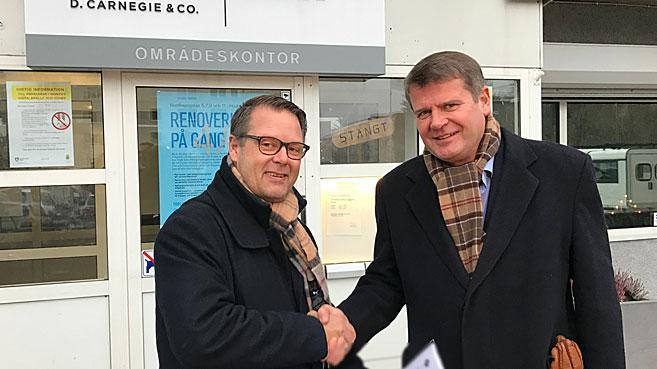 AIK Fotbolls VD Mikael Ahlerup tillsammans med Ulf Nilsson, VD på D. Carnegie & Co.