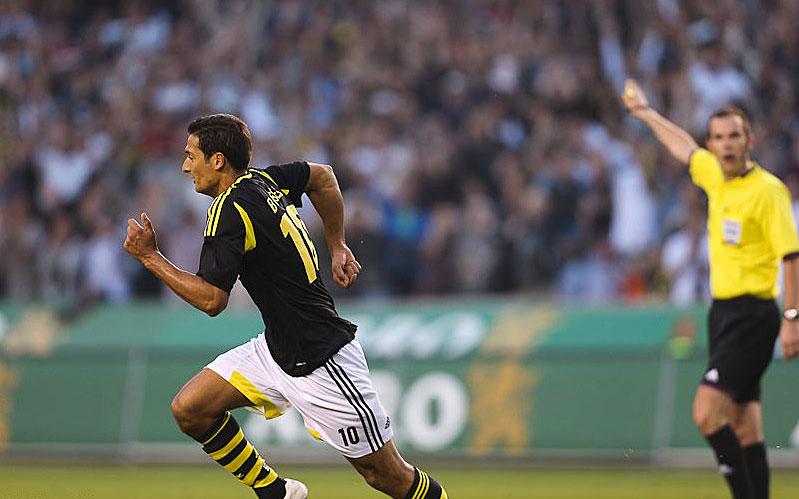 AIK:s Celso Borges jublar efter sitt 2-0-mål i den 78:e minuten hemma mot KKS Lech Poznań.