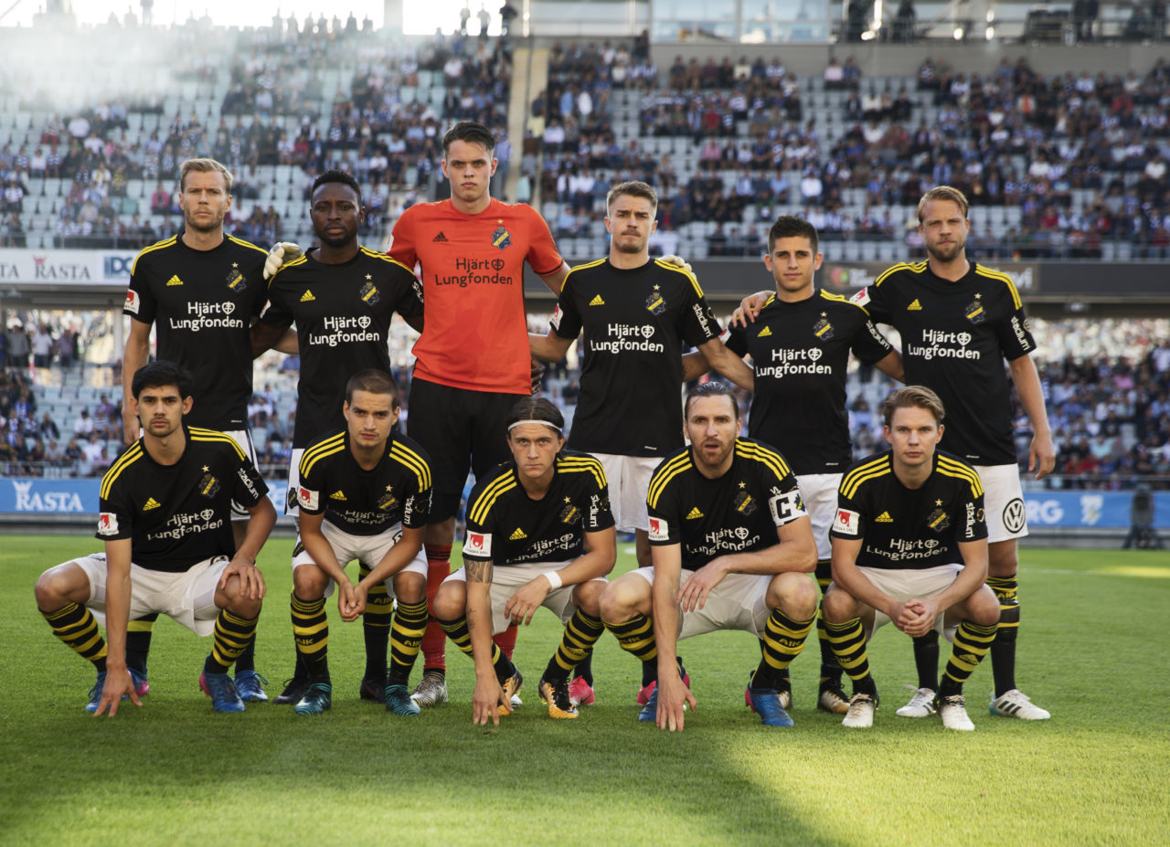 GOTHENBURG, SWEDEN - AUGUST 10: Per Karlsson, Chinedu Obasi, Oscar Linner, Rasmus Lindkvist, Nicolas Stefanelli, Daniel Sundgren, Jesper Nyholm, Amin Affane, Kristoffer Olsson, Nils-Eric Johansson and Johan Blomberg of AIK during the Allsvenskan match between IFK Goteborg and AIK at Gamla Ullevi on August 10, 2017 in Gothenburg, Sweden. (Photo by Nils Petter Nilsson/Ombrello via Getty Images)
