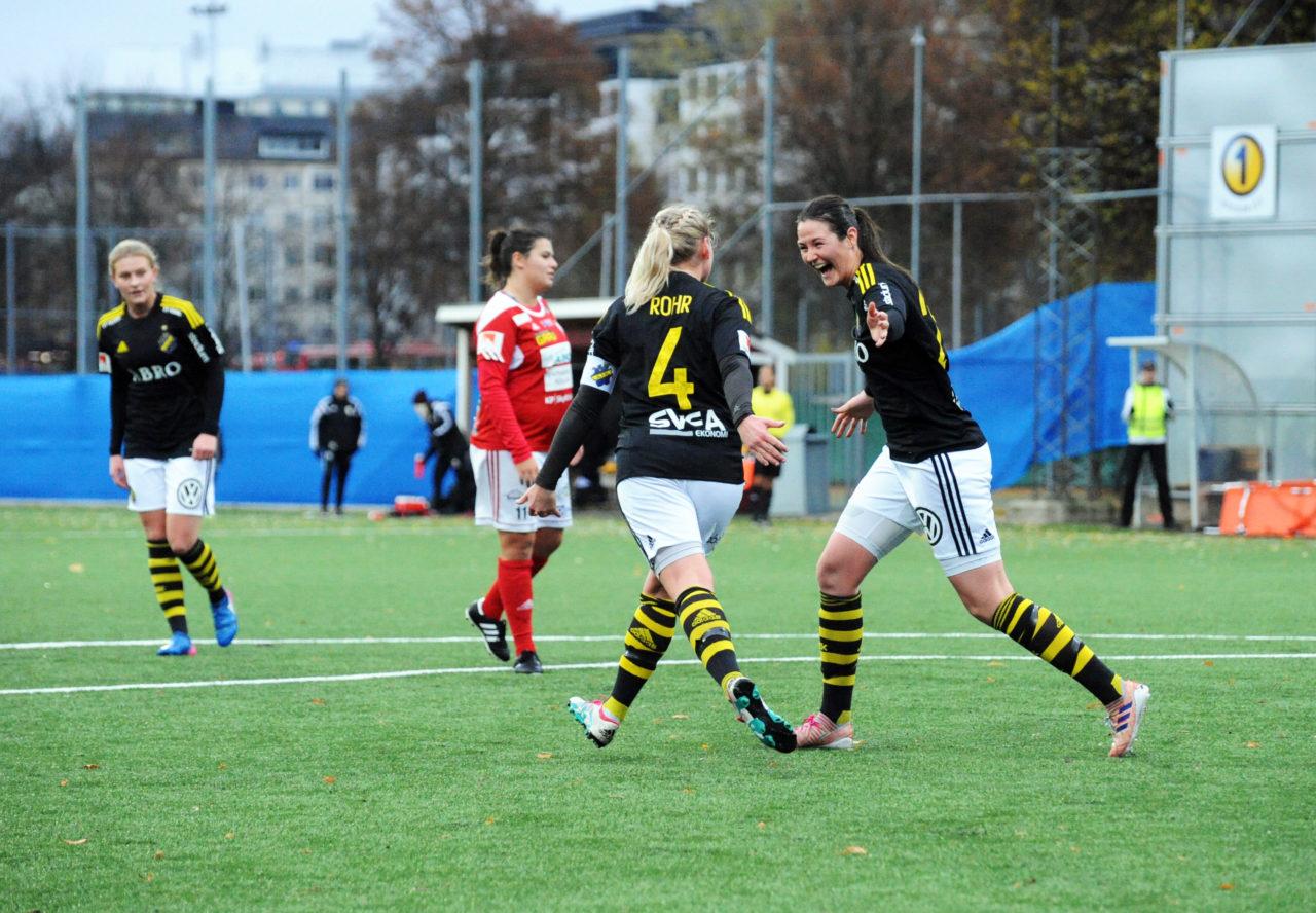AIK-glädje efter 1-1-målet mot Holmalund 2017-11-12