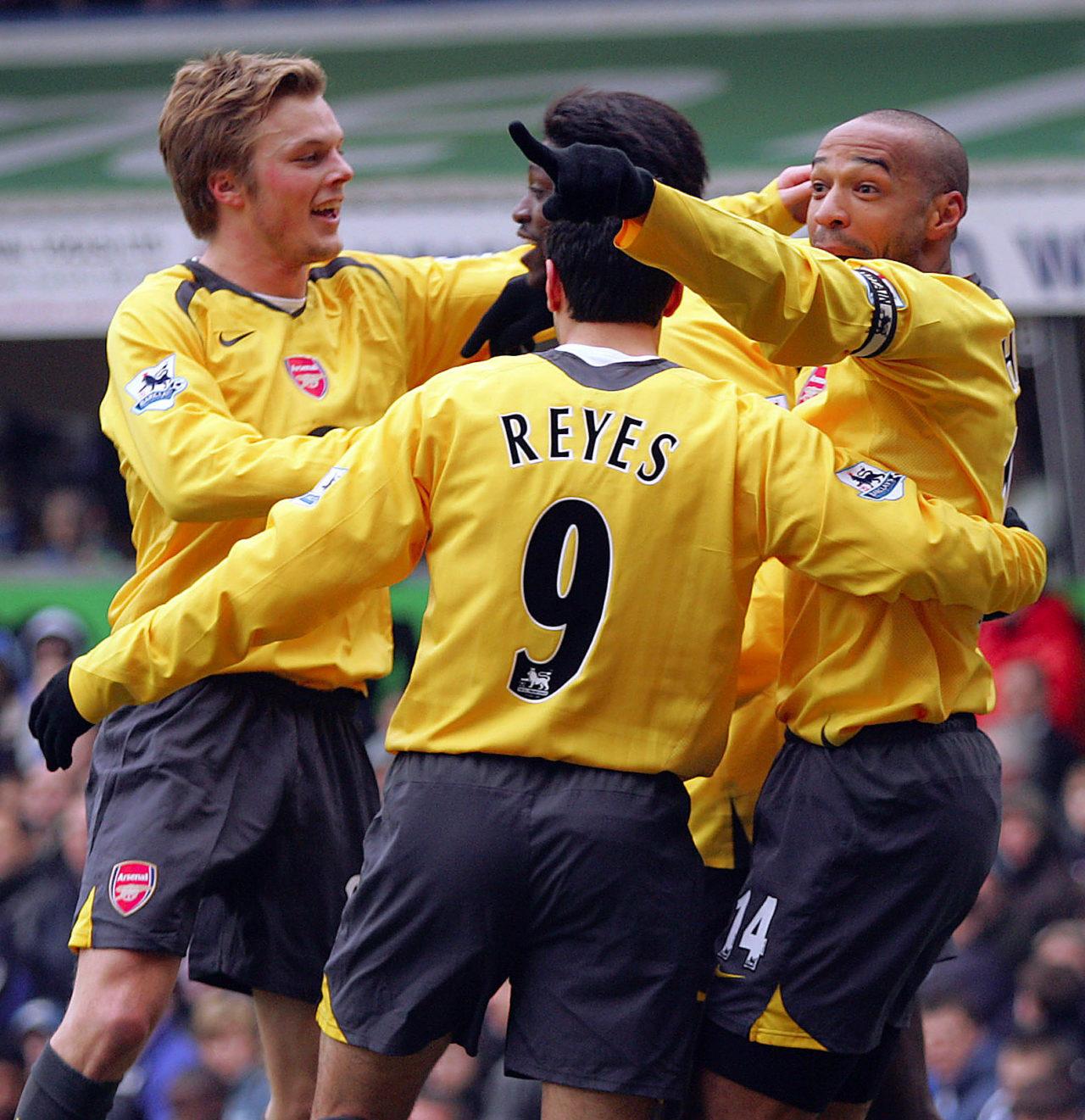 060204 Fotboll, Premier League (Engelsk Liga) Birmingham  v Arsenal: Sebastian Larsson, Jose Antonio Reyes, Emmanuel Adebayor och Thierry Henry, Arsenal (Jubel) © BildbyrŒn - Cop 7