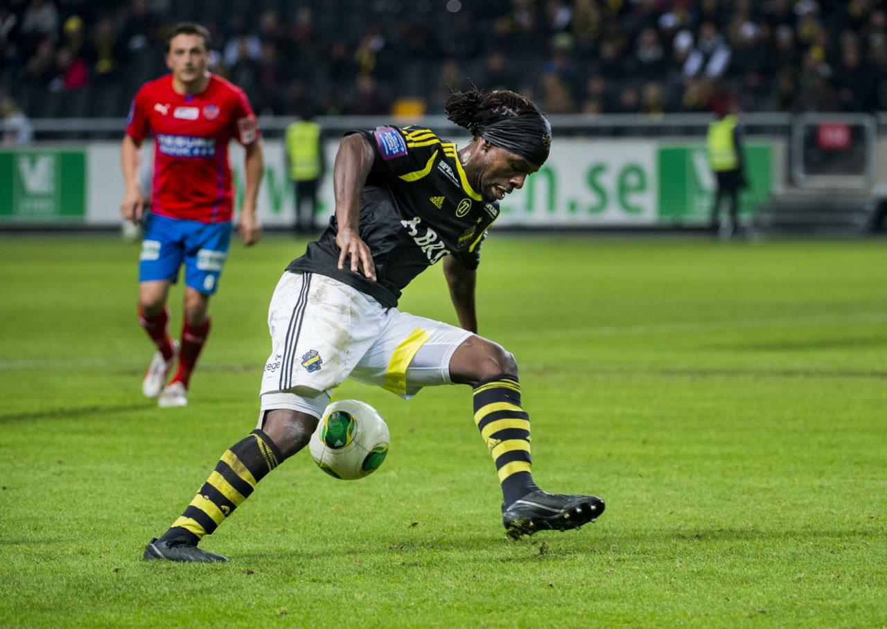 131103 Martin Kayongo-Mutumba under fotbollsmatchen i Allsvenskan mellan AIK och Helsingborg den 3 november 2013 i Stockholm. Foto: Johanna Lundberg / BILDBYRÅN / kod JL / 135003